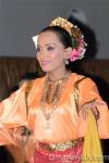 Pakaian Wanita Melanau (fesyen lain/close up)